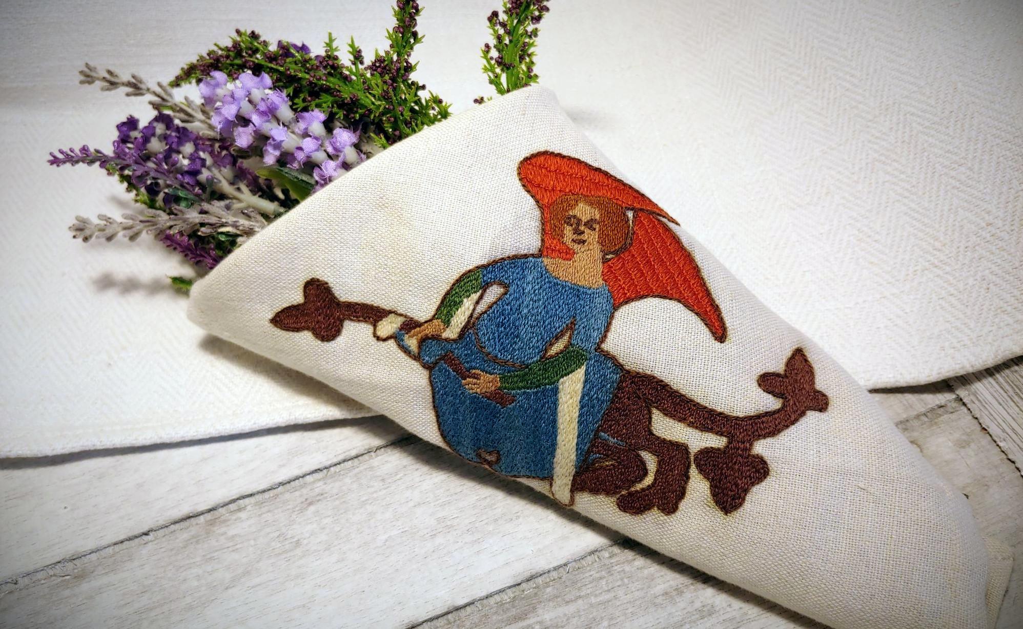 medieval, embroidery, living history, stickerei, historisch, klosterstich, cloister stitch, pflanzengefärbte wolle,  historische, embroidered,  Mittelalter, mittelalterliche, historische, Stickerei, Sticktechnik, middle ages, Anlegetechnik, couched, couching